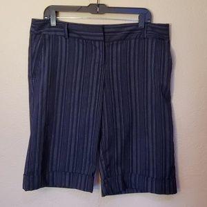 Studio Y pin striped bermuda pants 11/12